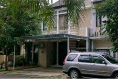 Depan Park View 244x163 - Rumah 2,5 lantai di Park View Residence Citra Raya
