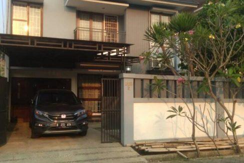 Muka Komplek Deplu 488x326 - Rumah 2 lantai di Komplek Deplu Larangan Kota Tangerang